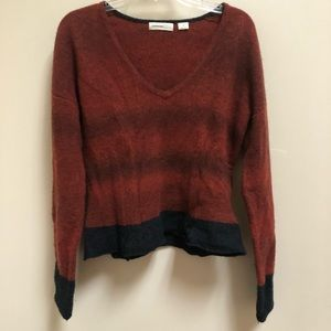 Sleeping on snow M rust/black cropped sweater